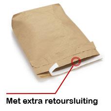 Kraftpapieren envelop met retoursluiting